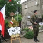 wreczenie-odznaki-ton-u-kramso-czerwiec-2009r